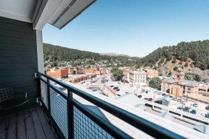 Deadwood Mountain Grand Holiday Inn Balcony