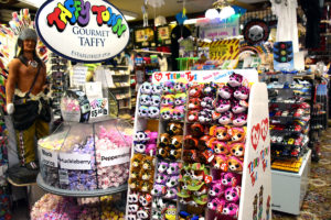 Happy Days Gift Shop Taffy and Ty