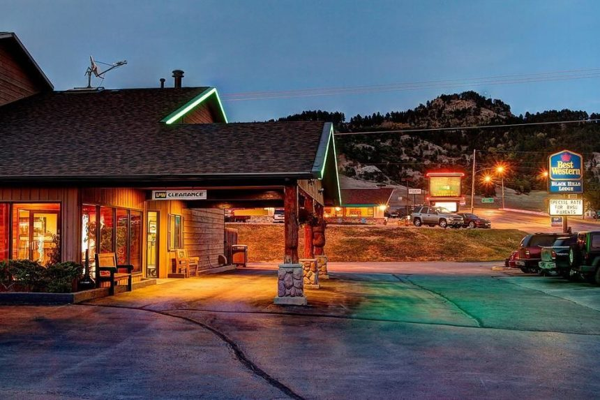 Hotel motels places to stay historic deadwood sd for Cabins near deadwood sd