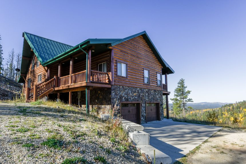 inn for rushmore golden cabin sd rent in goldnuggets hills the area cabins mt nugget backroads black