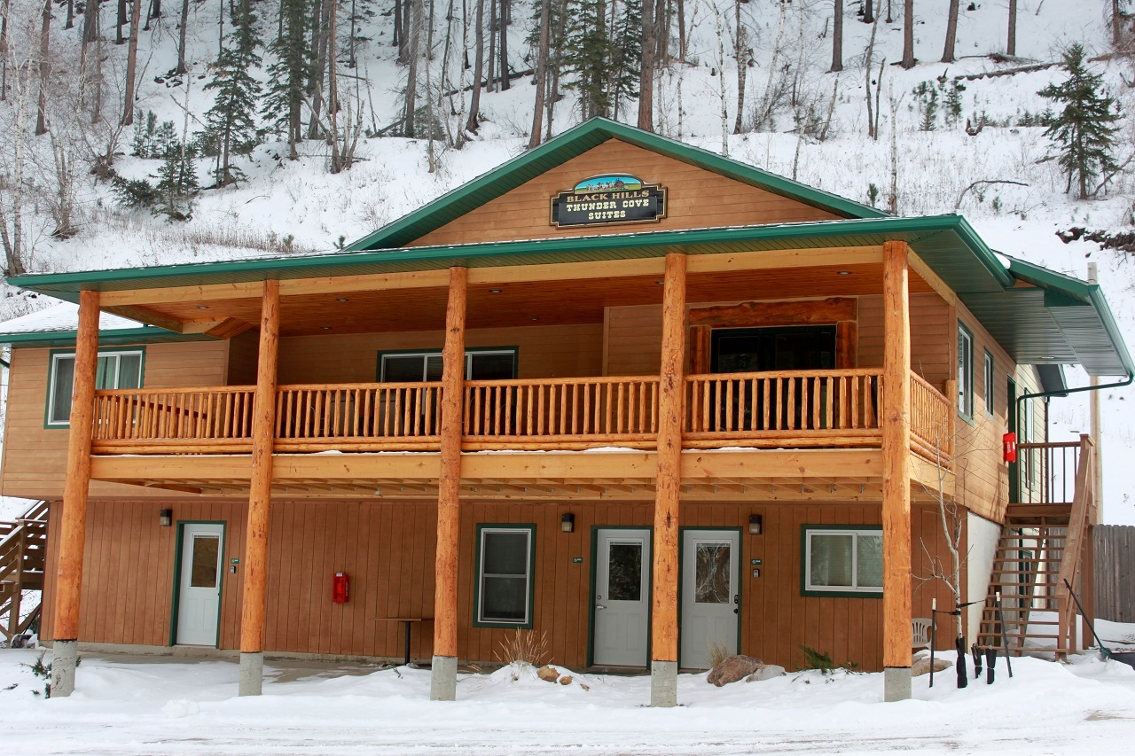 Vacation properties places to stay historic deadwood sd for Cabins near deadwood sd